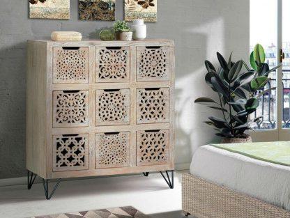 Drewniana komoda encaje z 9 szufladami