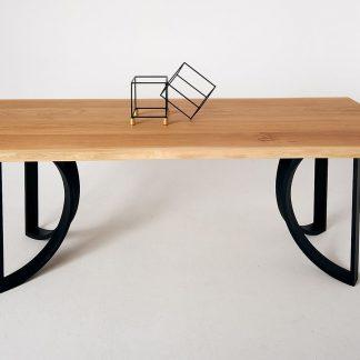 Nowoczesny dębowy stół trae na metalowych nogach / 180x90 cm
