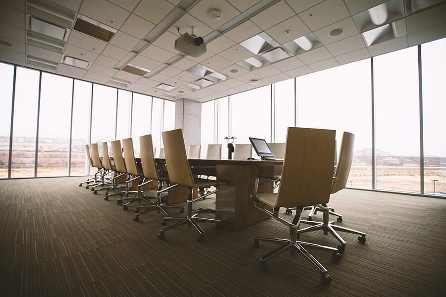 Krzesła obrotowe biurowe - jak wybrać najlepsze?
