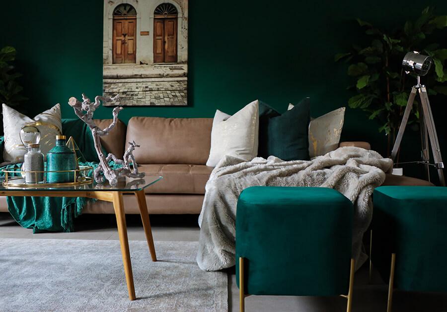 Nowoczesne pufy do salonu – idealne uzupełnienie miejsca do relaksu